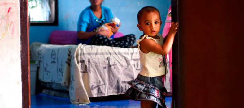 Madre Cristiana Pakistaní Y Hijas Mueren De Hambre En Tailandia - Cristo para los musulmanes
