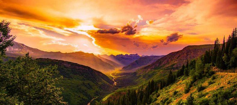 خدا محبت ہے - محبت خدا سے ہے - ہر چیز خدا کے پیار اور محبت سے ہے - اکلوتا بیٹا