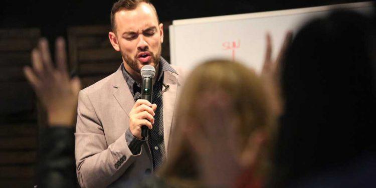 How Christ dealt with violence - Pastor Mike Santiago